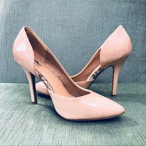 NWOT Patent Leather NUDE HEELS